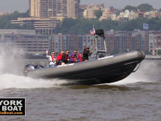Boat on Hudson - New York City Media Boat Tour - New York, New York, United States