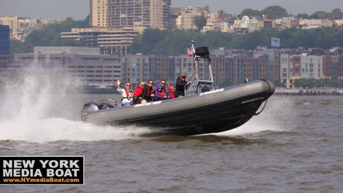 Speedboat takes passengers on a tour of the Hudson River