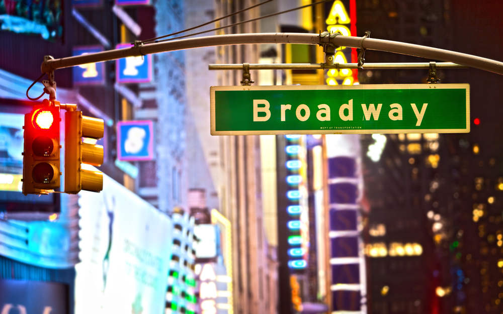 picture-of-the-famous-broadway-sign-3-days-in-New-york