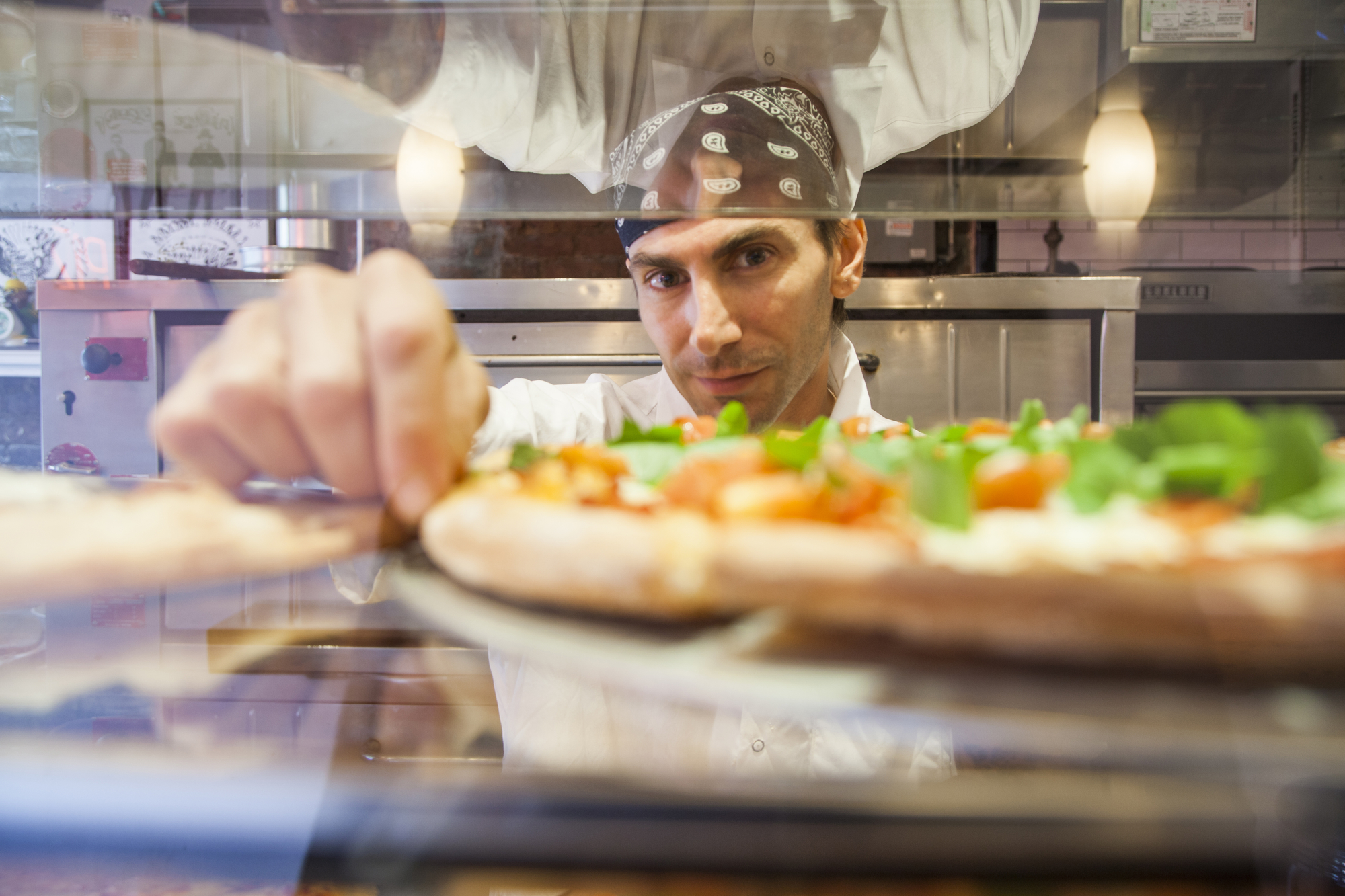 a-picture-of-a-new-york-pizza-chef-how-much-spending-money-new-york